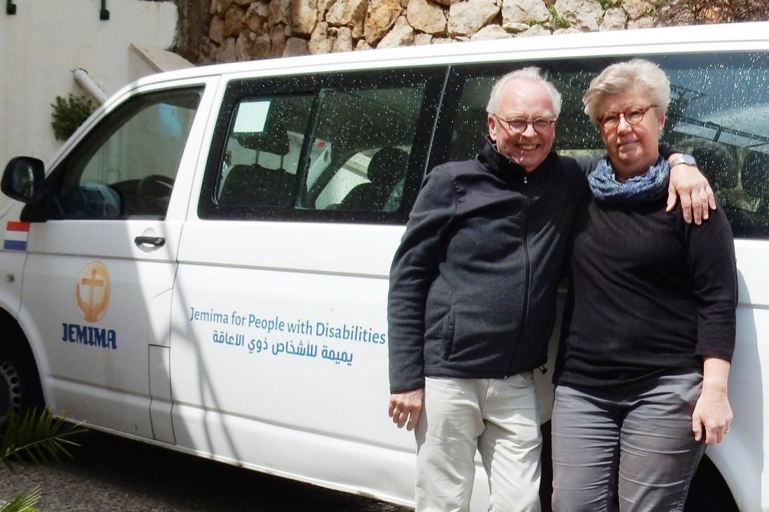 Hans en Tya in quarantaine bij Jemima