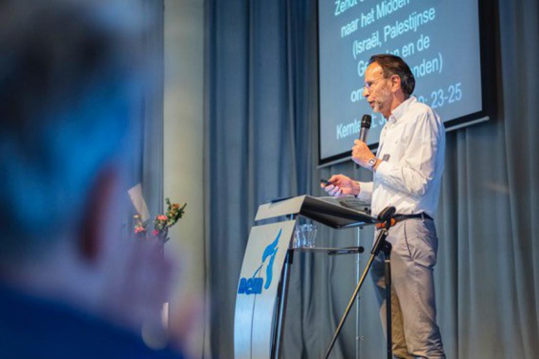 Spreekbeurt Piet Jonkers in Evangelische Gemeente Morgenstond Scheveningen