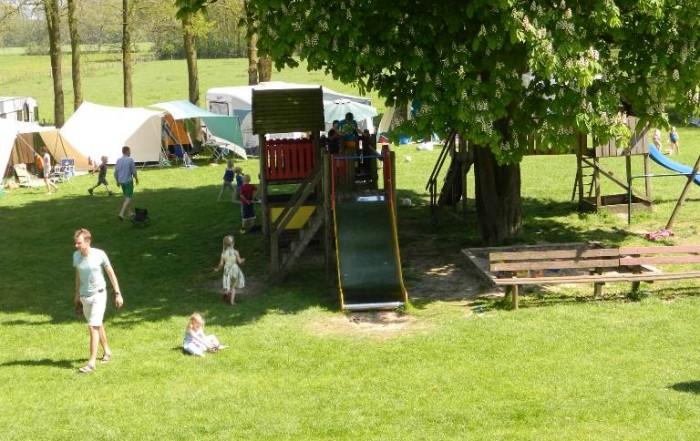 speeltuin en bezoekers Reveilweken NEM